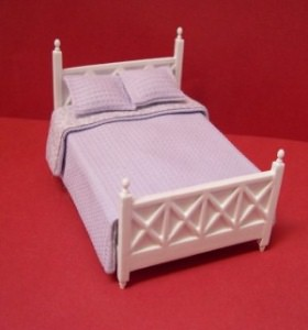 24th scale white bed