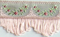 Jacquard ribbon with scalloped fringe - peach/peach