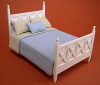 Ashley bed (with bedding) - white