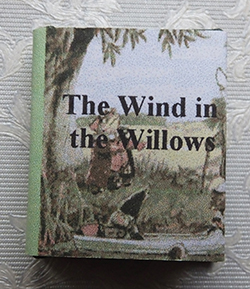 """Wind in the Willows"" book - large size"